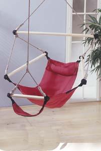 der robuste h ngesessel aus farbigem nylon hat eine externe nacken und fu st tze. Black Bedroom Furniture Sets. Home Design Ideas